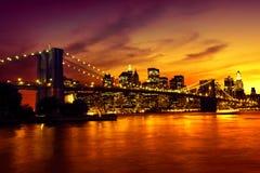 Puente de Brooklyn en la puesta del sol Foto de archivo libre de regalías