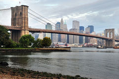 Puente de Brooklyn en Manhattan Nueva York Foto de archivo