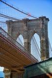Puente de Brooklyn en Nueva York en sepia Imagen de archivo