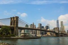 Puente de Brooklyn y New York City Imagen de archivo