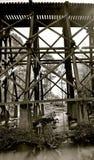 Puente de caballete abandonado viejo del ferrocarril fotografía de archivo libre de regalías