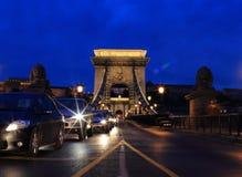 Puente de cadena Budapest Hungría en la noche Foto de archivo libre de regalías