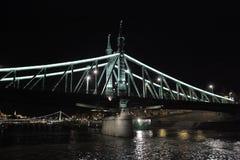 Puente de cadena, Budapest, Hungría, noche Fotografía de archivo libre de regalías
