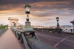 Puente de cadena de Szechenyi en Budapest hermosa Hungría Imagenes de archivo