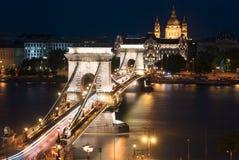 Puente de cadena de Szechenyi en Budapest Hungría Imagenes de archivo