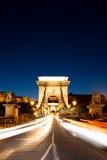 Puente de cadena en la oscuridad, Budapest Foto de archivo libre de regalías