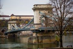 Puente de cadena viejo fotos de archivo