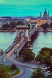 Puente de cadena y luces Imagenes de archivo