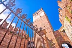 Puente de Castelvecchio en el río del Adigio en Verona Imágenes de archivo libres de regalías