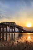 Puente de Champlain y una puesta del sol imagen de archivo
