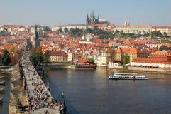 Puente de Charles y castillo de Praga 2 Fotografía de archivo