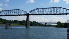 Puente de Chattanooga Tennessee sobre el río Imagen de archivo libre de regalías