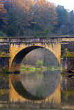 Puente de Chiny en otoño Imagen de archivo libre de regalías