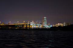Puente de Clearwater en la noche fotos de archivo