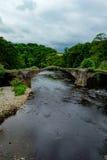 Puente de Cromwells sobre el río Hodder, Lancashire Foto de archivo libre de regalías