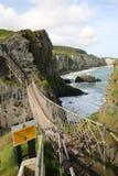 Puente de cuerda de Carrick-a-Rede Foto de archivo libre de regalías