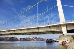 Puente de Elisabeth sobre el río Danubio en Budapest, Hungría, Europa Fotos de archivo