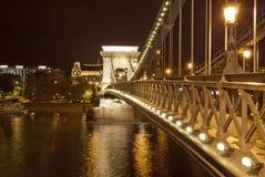 Puente de encadenamientos en Budapest (Hungría) foto de archivo libre de regalías