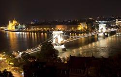 Puente de encadenamientos en Budapest (Hungría) imágenes de archivo libres de regalías