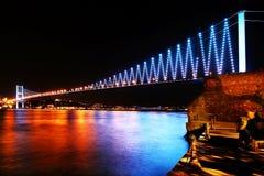 Puente de Estambul Bosphorus en colores Imagen de archivo