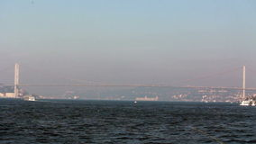 Puente de Estambul/mar /sky /nature/istanbul /people/december 2015 de la visión/del pico almacen de video