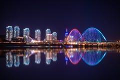 Puente de Expro en la noche en Daejeon imagen de archivo