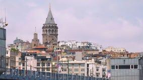 Puente de Galata y torre de Galata, Estambul, Turqu?a metrajes