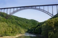 Puente de garganta de nuevo río Imagen de archivo