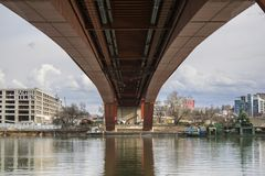 Puente de Gazela sobre Sava River en Belgrado imagen de archivo libre de regalías