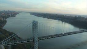 Puente de George Washington con la visión a largo plazo del Hudson almacen de video
