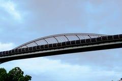 Puente de Henderson Wave Bridge The, que está sobre 274 metros en el le foto de archivo