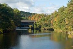 Puente de Henniker Imagenes de archivo