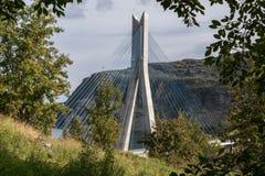Puente de Kaafjord del bru de KÃ¥fjord en Alta Finnmark imágenes de archivo libres de regalías
