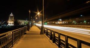 Puente de Kolomenka sobre el río, la ciudad de Kolomna, Rusia Foto de archivo libre de regalías