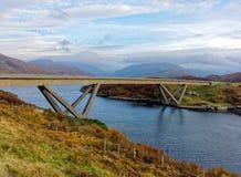 Puente de Kylesku imagenes de archivo