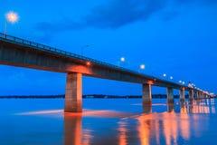 Puente de la amistad entre Tailandia y Laos Foto de archivo