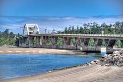 Puente de la bahía de Alsea Foto de archivo