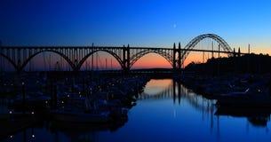 Puente de la bahía de Yaquina fotografía de archivo libre de regalías
