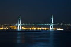 Puente de la bahía de Yokohama en la noche Fotografía de archivo libre de regalías