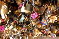 Puente de la cerradura del amor Fotos de archivo libres de regalías