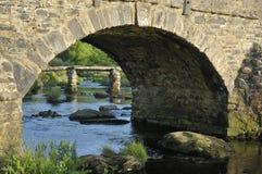 Puente de la chapaleta de Postbridge Fotos de archivo