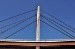 Puente de la ciudad con el taxi fotografía de archivo libre de regalías