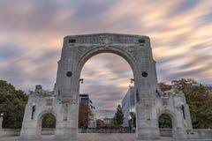 Puente de la conmemoración en el día nublado, Christchurch, Nueva Zelanda Imágenes de archivo libres de regalías