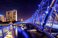 Puente de la DNA de la hélice en Singapur Imagenes de archivo