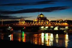 Puente de la escena de la noche imagenes de archivo