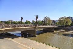 Puente de la libertad en Skopje Fotos de archivo libres de regalías