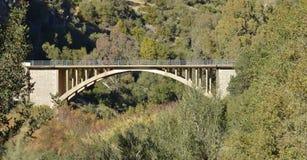 Puente de la montaña Imagenes de archivo