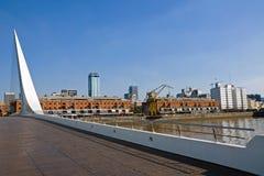 Puente de la Mujer y Puerto Madero Fotos de archivo libres de regalías
