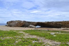 Puente de la roca en Aruba Fotografía de archivo libre de regalías