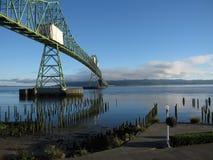 Puente de la salida del sol de Astoria Oregon Imagen de archivo